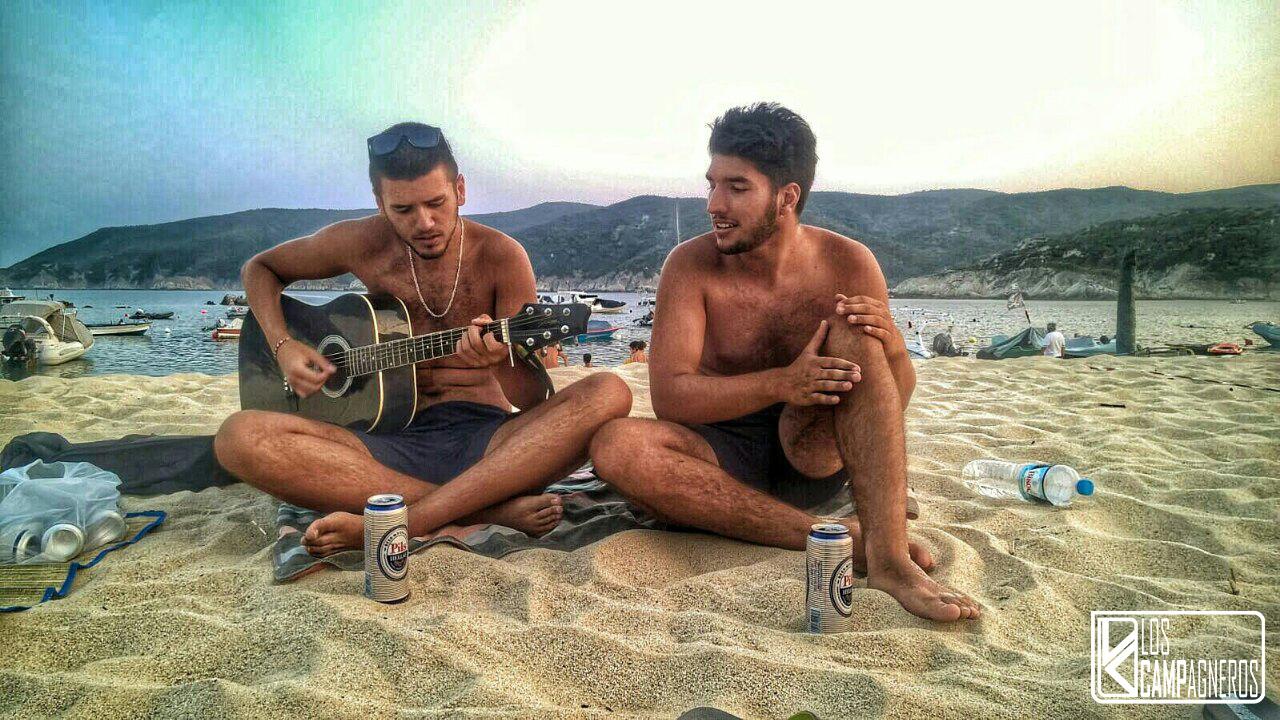 Uz muziku na plaži. Lična arhiva.